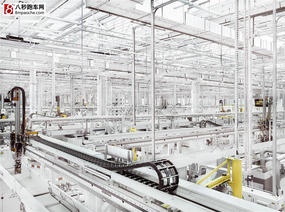 捷豹路虎发动机英国工厂正式投产